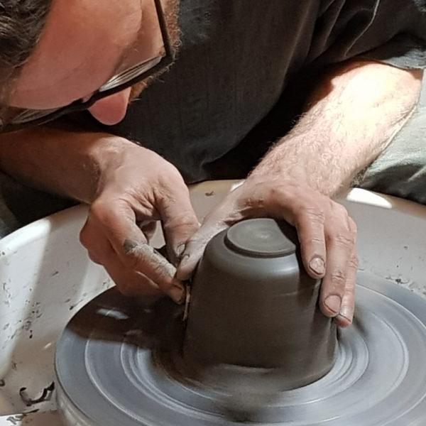 AP2M Escapade artisanale poterie Thomas tournasage